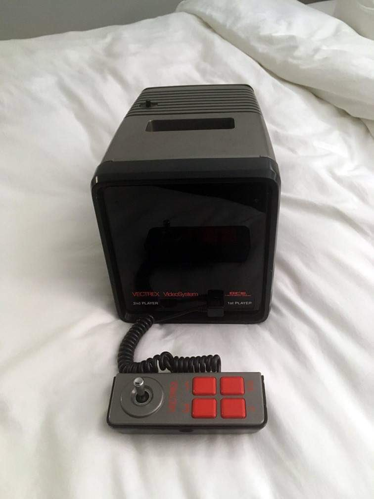 NVGM Finds a REAL Vectrex Mini