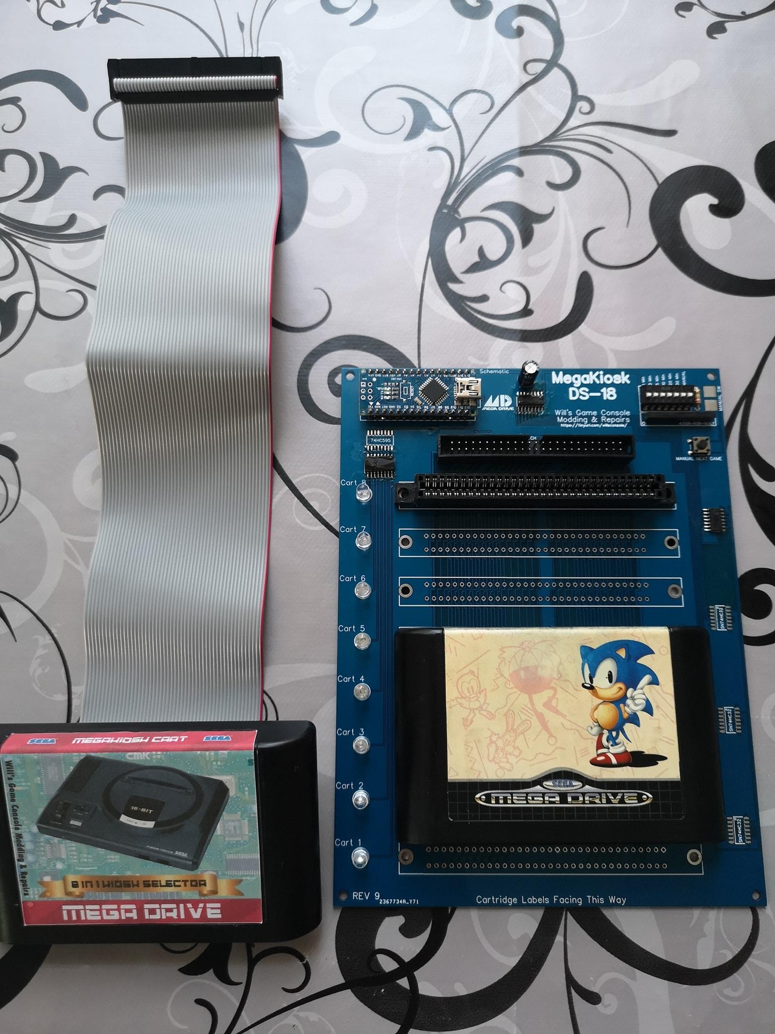 MegaKiosk DS-18 New 8-slot Unit for Genesis/Mega Drive